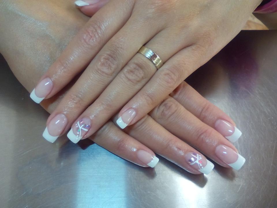 Jak zapuścić długie paznokcie?