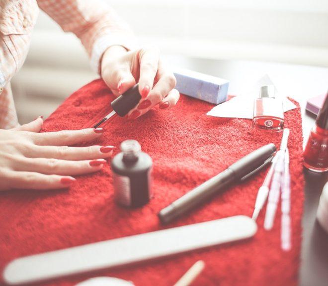 Manicure dla kobiety uprawiającej sport